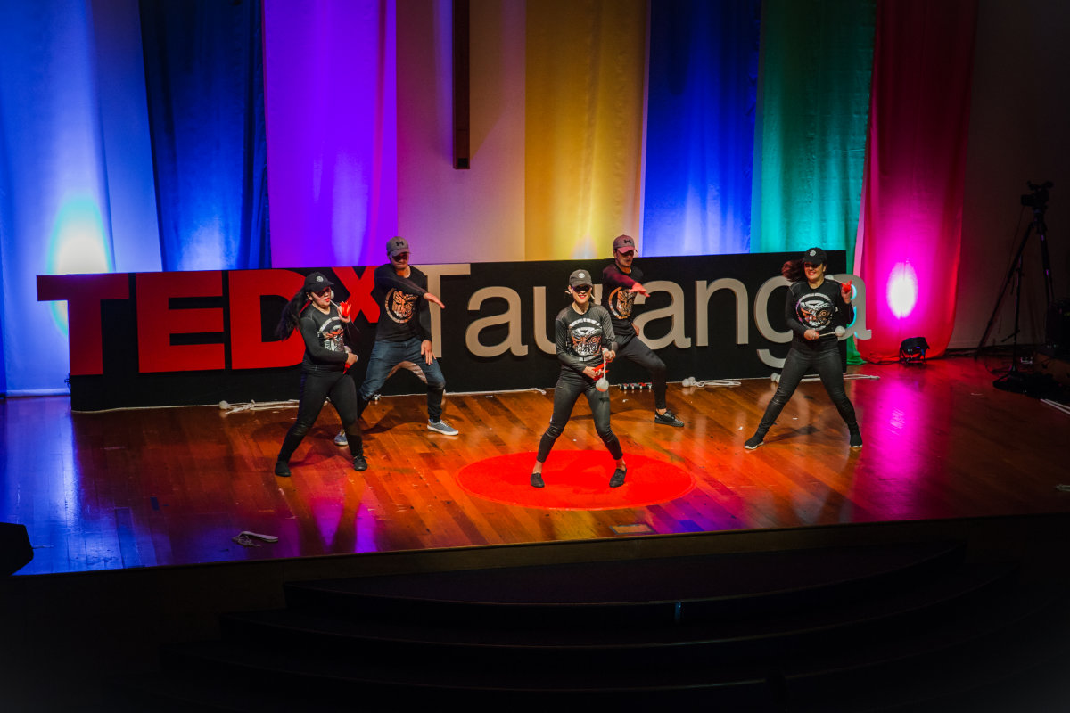TEDxTauranga-Entertainment-On-Stage