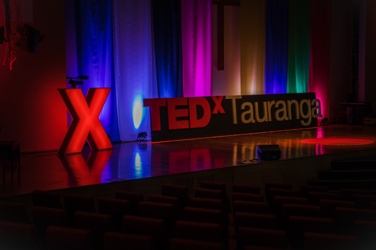 TEDxTauranga-Signage-On-Stage